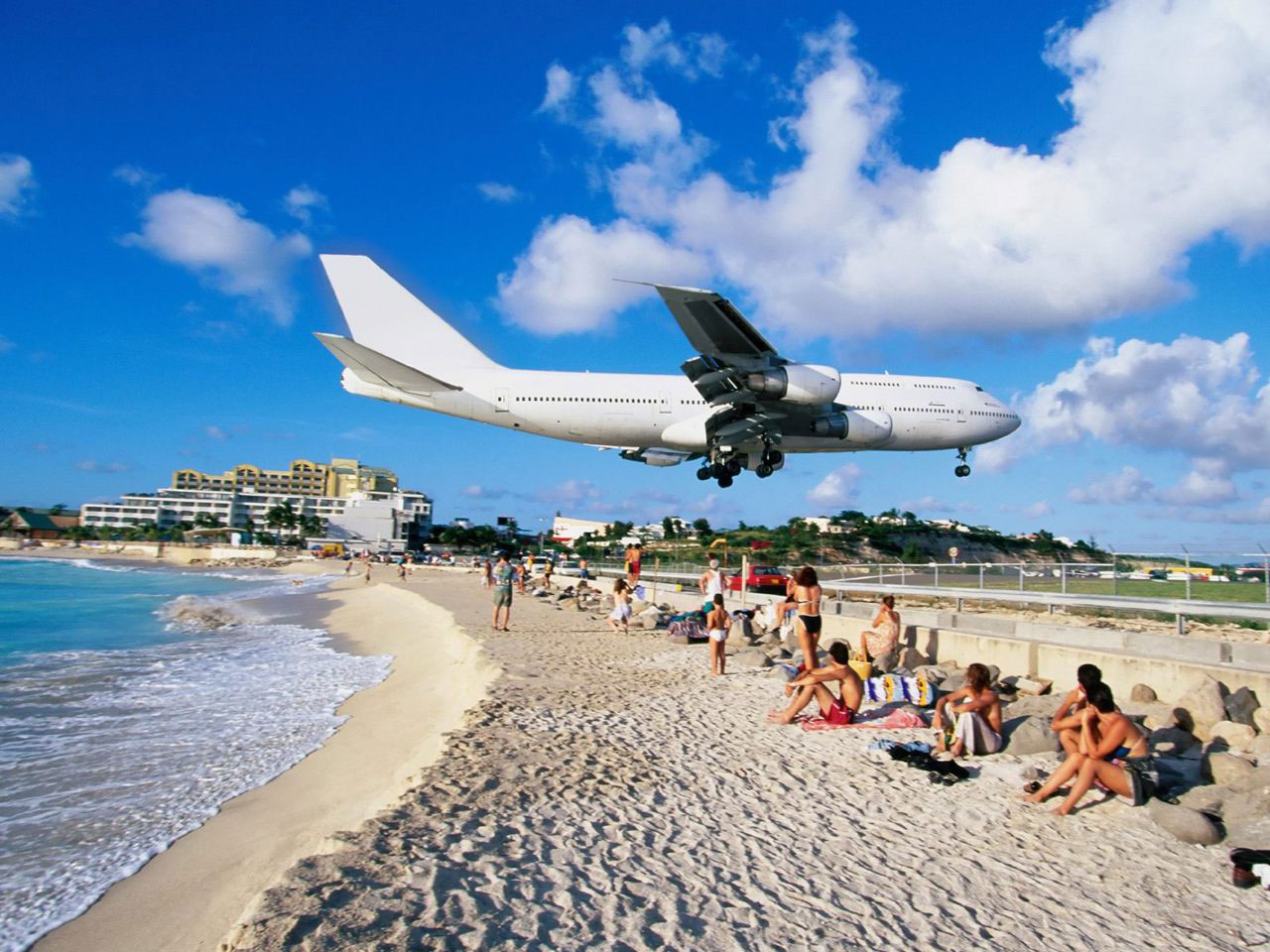 DESTINATION : Maho Beach