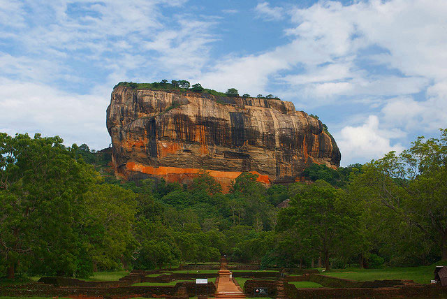 DESTINATION : Sigiriya