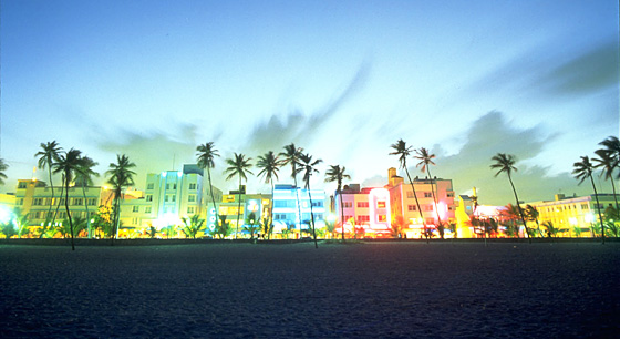 Travel to Ocean Drive of South Beach, Miami