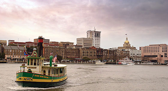 Travel to the Savannah River Waterfront in Georgia