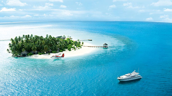 Party Yacht Charter to Rania Island, Maldives