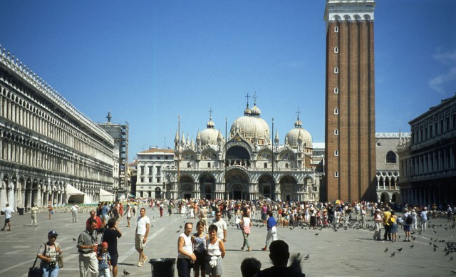 Travel and Backpacking Piazza San Marco, Venice, Italy