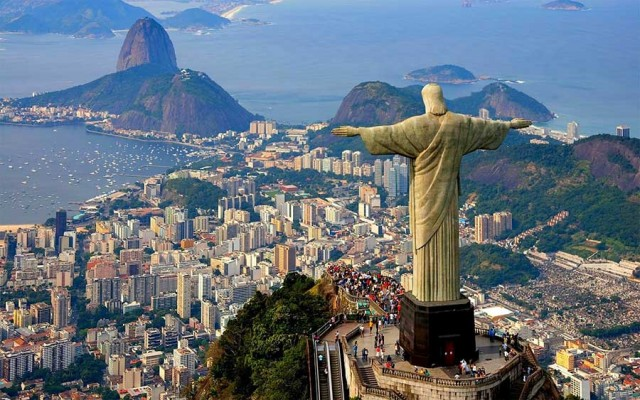 Most Dangerous Touristy Places to Live : Rio, Brazil