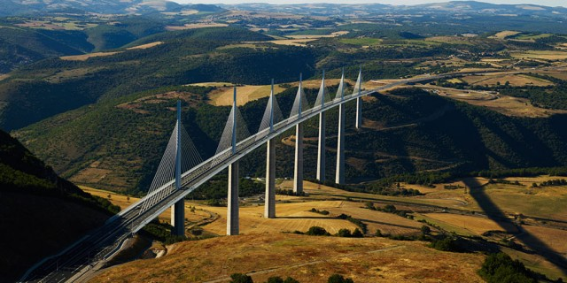 AMAZING ROADS OF THE WORLD : MILLAU VIADUCT, FRANCE