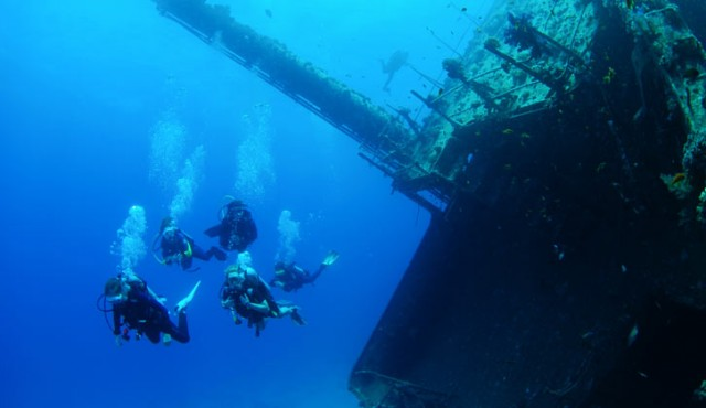 Wreck Diving in Oahu, Hawaii